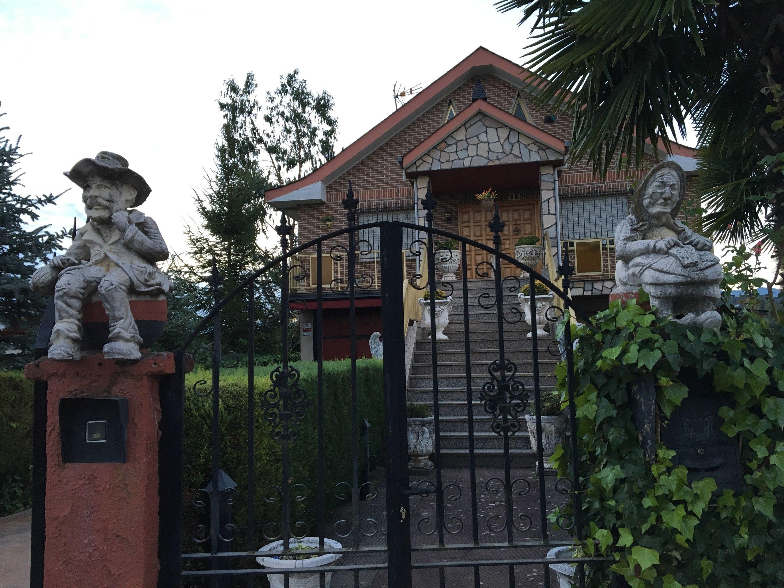 приятные домики по пути по пути в Вильяфранка-дель-Бьерс