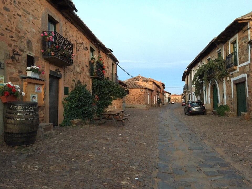 улочки Castillo de Los Polvazares