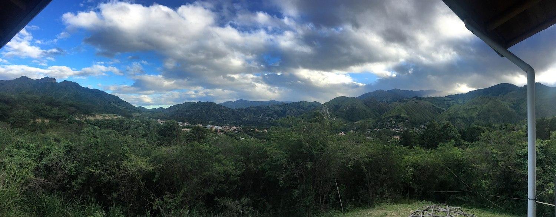 терасса в гест хаусе в Вилькабамба