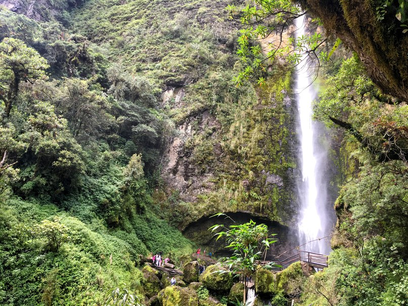 водопад в городе херон