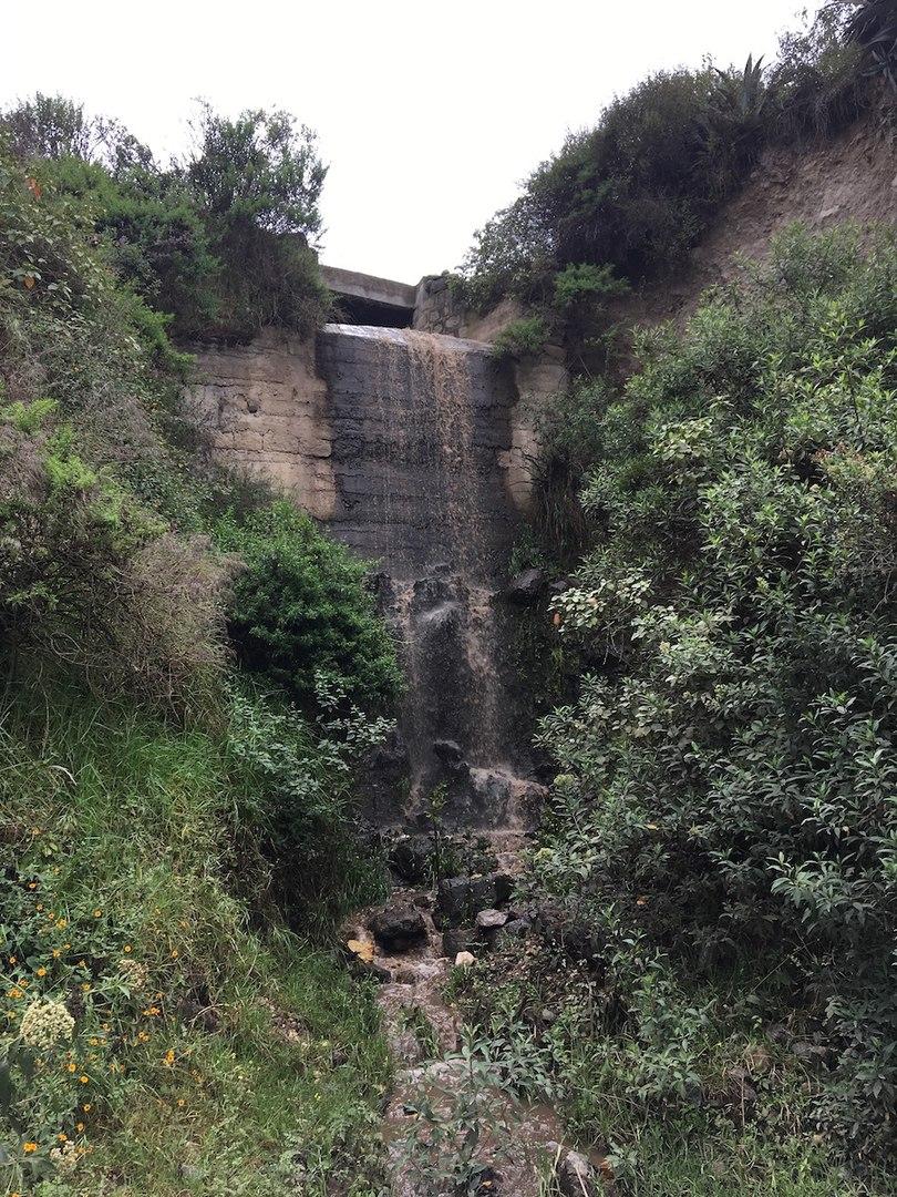 водопад по пути к носу дьявола
