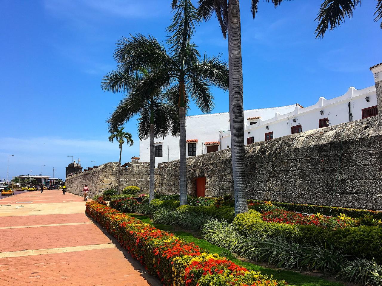 Стена вокруг старого города. Картахена, Колумбия