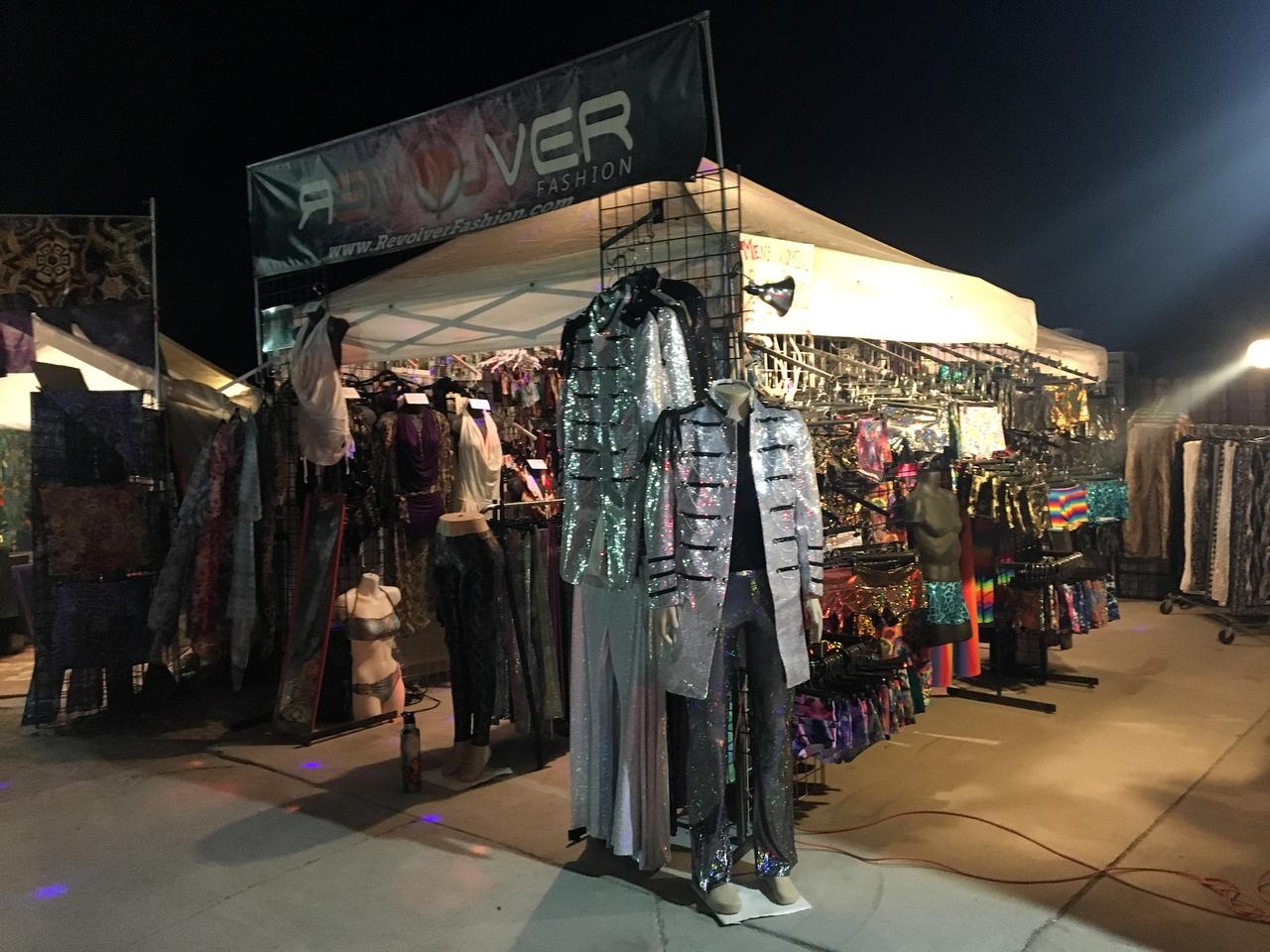 Костюмированный рынок для Burning Man