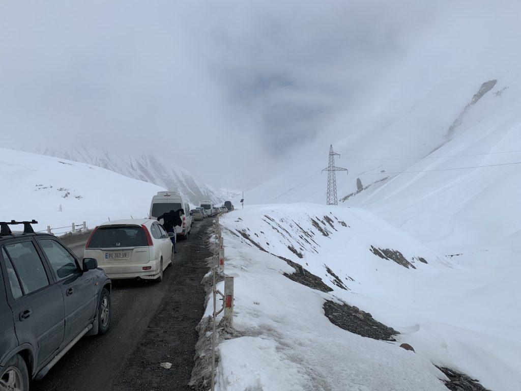 Военно-Грузинская дорога. Пробка на перевале