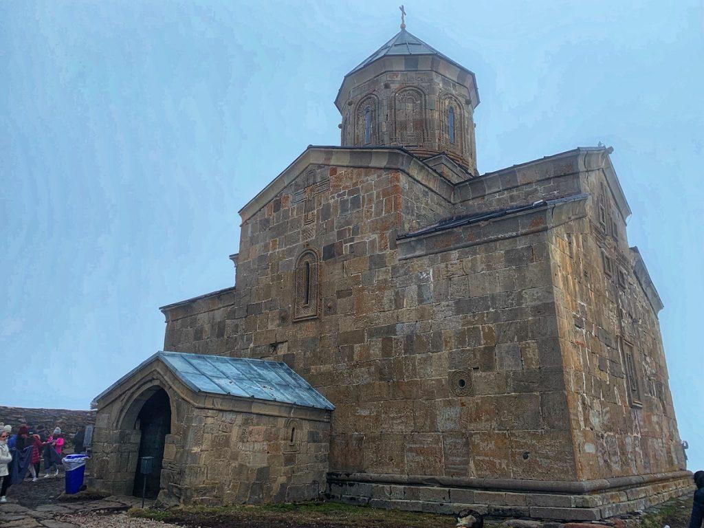 Троицкая церковь в Казбеги, Грузия