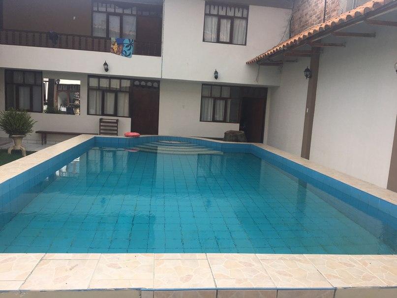 бассейн с термальной водой в хостеле города Кахамарка
