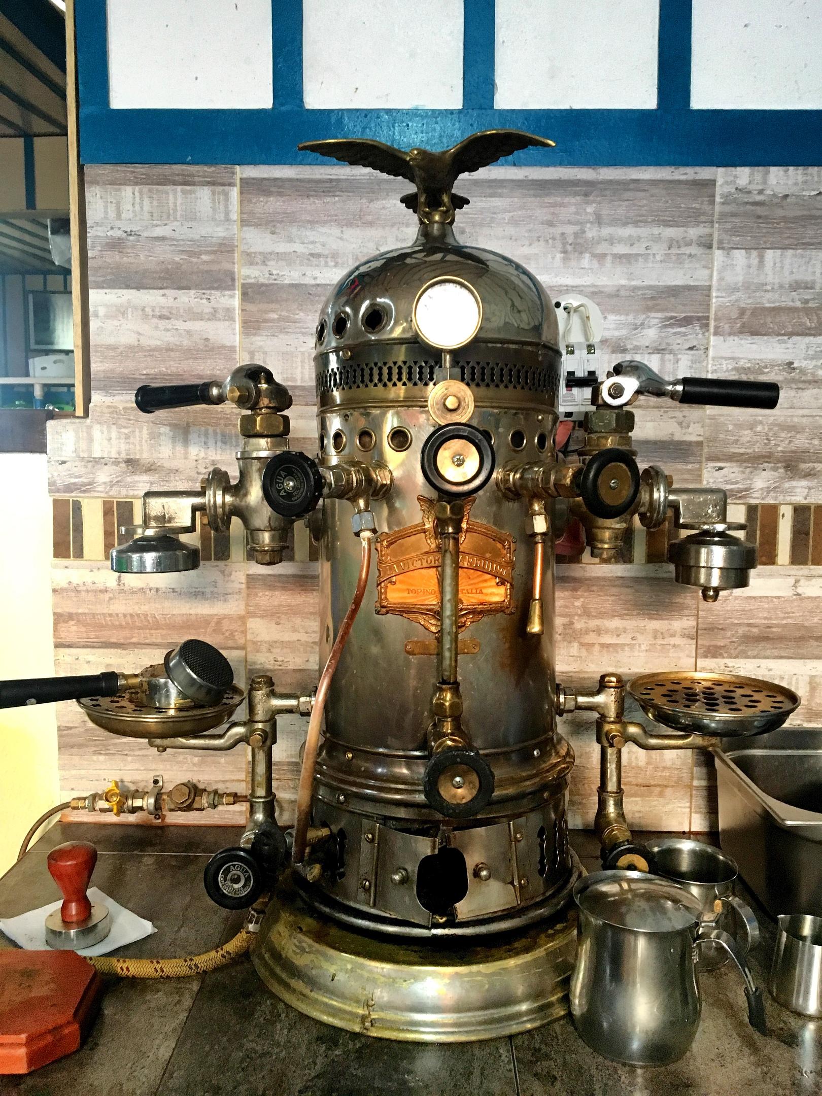 колумбийская ретро кофеварка