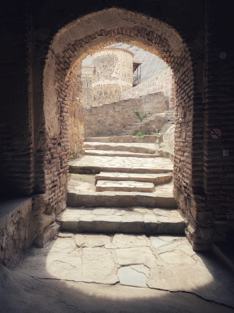 вход в монастырь Давид Гареджи